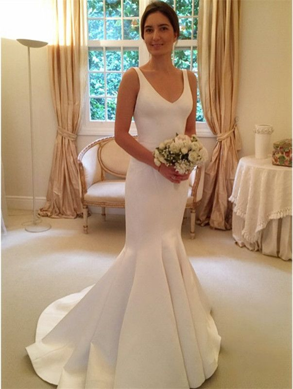 Open Back Elegant V-Neck Sleeveless Mermaid Wedding Dresses Cheap