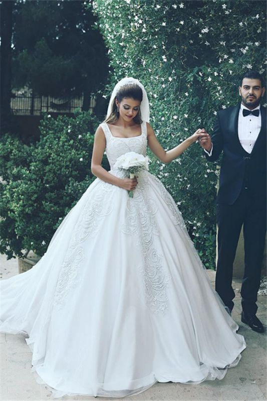 Lace Appliques Sleeveless Straps Cheap Ball Gown Wedding Dresses BA4133