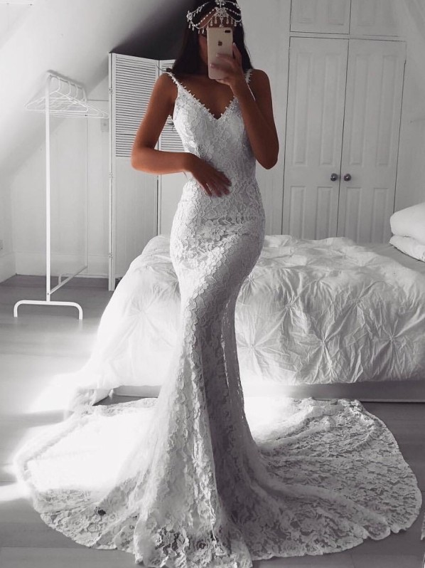 Sexy Mermaid Lace Sleeveless Evening Dresses   Straps V-Neck Court Train Evening Gowns