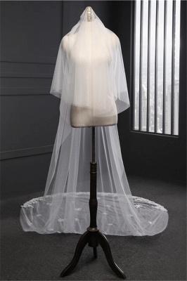 Elegant Lace Applique Edge Wedding Gloves with Appliques_5