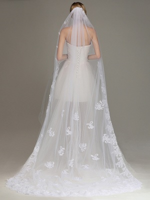 One Layer Wedding Veil with Comb Lace Edge Appliqued Bridal Veil?_2