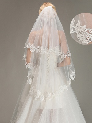 Lace Applique Two Layers Wedding Veils With Comb_2