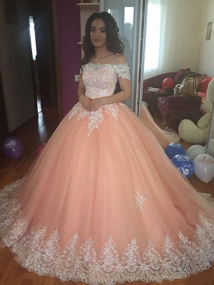 Mordern Off-the-Shoulder Lace Appliques Ball Gown Tulle Sweep Train Prom Dresses_3