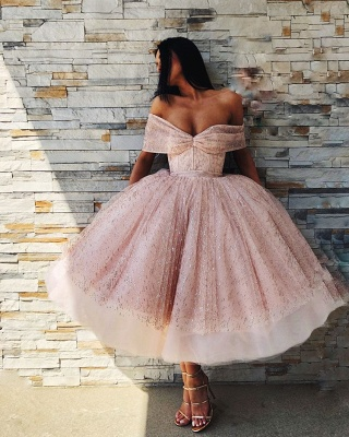 Charming Off-the-Shoulder Ball Gown Tulle Tea-Length Prom Dresses_4