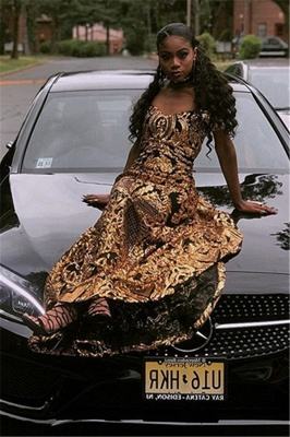 Glamourous Sheath Off The Shoulder Gold Applique Prom Dresses_4