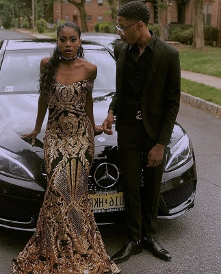 Glamourous Sheath Off The Shoulder Gold Applique Prom Dresses_3