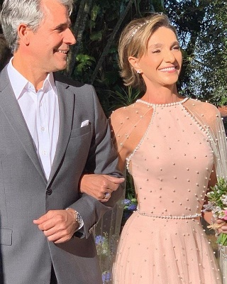Glamorous Pink Sheer-Tulle Backless Beading  Prom Dress_4