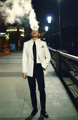 Elegant White Wool Double-Breasted Tailor Wedding Suit For Groom   Newly 3 Pockets Peak Lapel Fit Bridegroom Suit_5