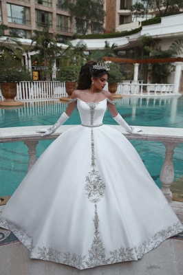 Luxury Off The Shoulder Sleeveless Appliques Ball Gown Wedding Dresses_6