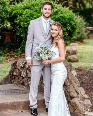Robe de mariée col V fantastiques avec bretelles spaghetti | Robe de mariée longue en dentelle abordable_3