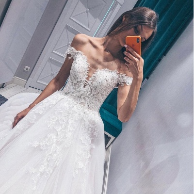 Modern Off The Shoulder Sleeveless White Wedding Dresses | Gorgeous V-Neck Lace Long Bridal Gowns_3