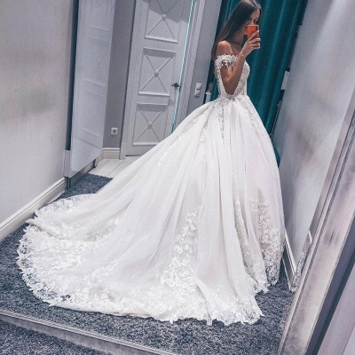 Modern Off The Shoulder Sleeveless White Wedding Dresses   Gorgeous V-Neck Lace Long Bridal Gowns_2