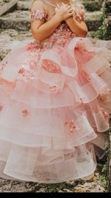 Schöne Juwel Kurzarm Tiered Tüll Blumenmädchen Kleider mit handgemachten Blumen   Long Sheer Little Girl Festzugskleid_3