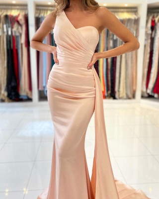 Elegant One Shoulder Mermaid Prom Gown With Sweep Train_3
