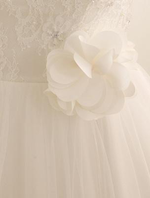 Brautkleid mit Bateau-Ausschnitt und Kapellenschleppe_6