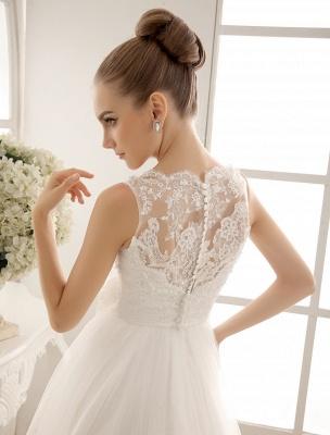 Brautkleid mit Bateau-Ausschnitt und Kapellenschleppe_5