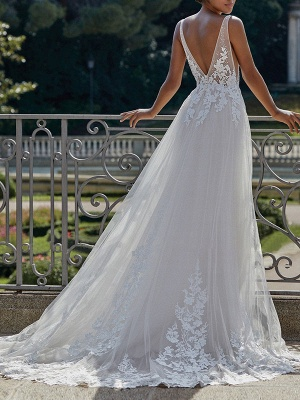 Simple Wedding Dress 2021 A Line V Neck Straps Sleeveless Lace Appliqued Tulle Bridal Gown_2