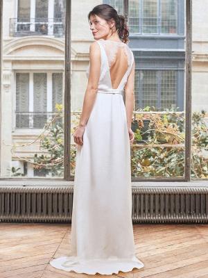Robe de mariée simple blanche Tissu en satin Col en V Boutons sans manches Split A-Line Robes de mariée longues_3