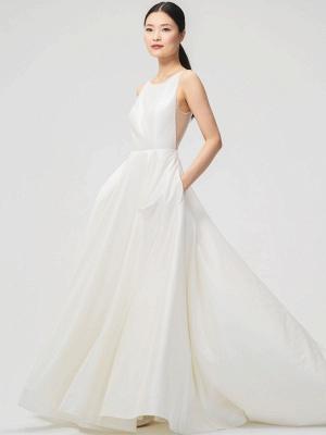 Weißes Vintage Brautkleid Kapelle-Schleppe Trägerlos Ärmellose Taschen Satin Stoff Traditionelle Kleider Für Die Braut_3