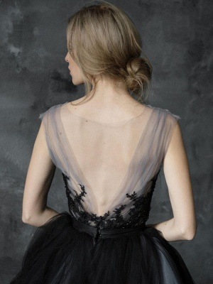 Black Gothic Wedding Dresses A-Line V-Neck Sleeveless Ball Gown Tulle Lace Bridal Gown_4