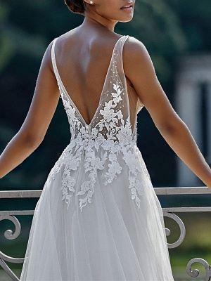 Simple Wedding Dress 2021 A Line V Neck Straps Sleeveless Lace Appliqued Tulle Bridal Gown_4
