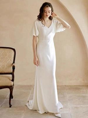 Weißes einfaches Brautkleid mit Zug A-Linie Meerjungfrau V-Ausschnitt Kurze Ärmel Polyester Brautkleider_4