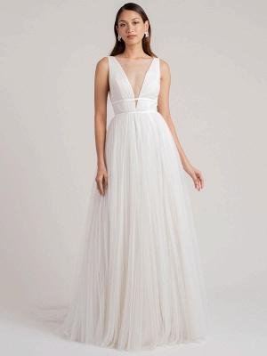 Weißes schlichtes Brautkleid A-Linie V-Ausschnitt Ärmellos Bodenlang Plissee Tüll Brautkleider_1