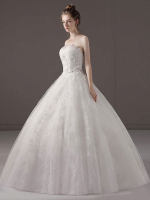 Princess-Ball-Gown-Wedding-Dresses-Strapless-Lace-Applique-Beaded-Ivory-Maxi-Bridal-Dress_1