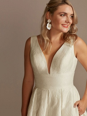 White Simple Wedding Dress Lace V-Neck Sleeveless A-Line Court Train Backless Bridal Gowns_3