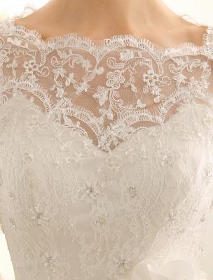 Brautkleid mit Bateau-Ausschnitt und Kapellenschleppe_7
