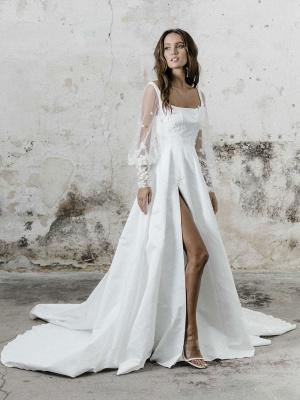 White Simple Wedding Dress A-Line Square Neck Long Sleeves Backless Applique Cut-Outs Split Front Long Bridal Dresses_1