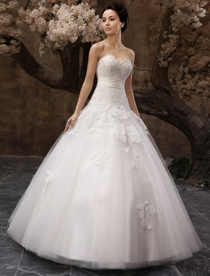 Floor-Length White Bridal Ball Gown Wedding Gown With Sweetheart Neck Applique_1