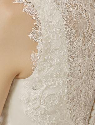 Brautkleid mit Kapelle-Schleppe und V-Ausschnitt mit Perlenverzierung_9