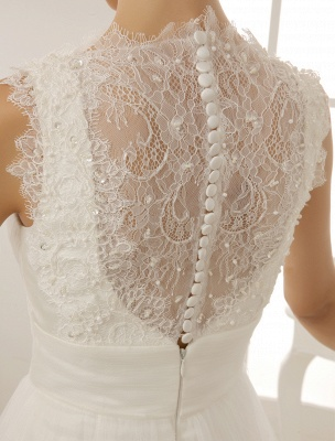 Brautkleid mit Kapelle-Schleppe und V-Ausschnitt mit Perlenverzierung_7