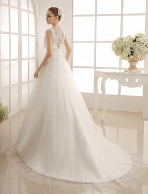 Brautkleid mit Kapelle-Schleppe und V-Ausschnitt mit Perlenverzierung_4