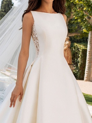 Vestidos de novia de color marfil Una línea con vestidos de novia de cuello alto de encaje sin mangas de tren de capilla_3