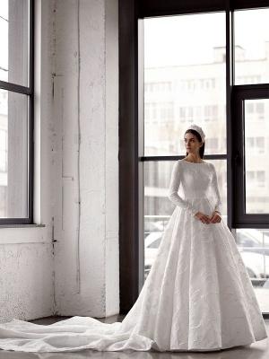 Weißes einfaches Brautkleid mit Zug A-Linie Jewel Neck lange rückenfreie Ärmel Satin Stoff Brautkleider_2