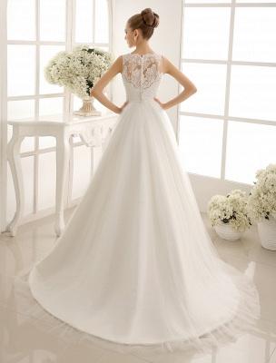 Brautkleid mit Bateau-Ausschnitt und Kapellenschleppe_4