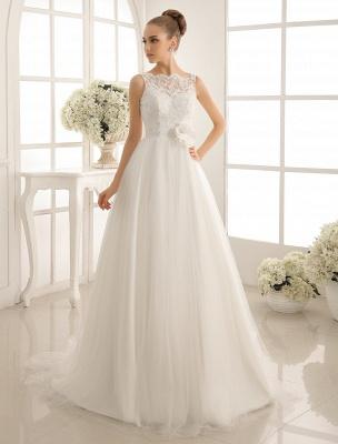 Brautkleid mit Bateau-Ausschnitt und Kapellenschleppe_2