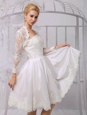 Knielanges Brautkleid aus Satin und Spitze mit Spitze, Langarm-Wrap Exklusiv_8