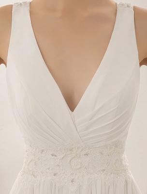 Vestido de novia con cuello de pico y pedrería con vaina_7