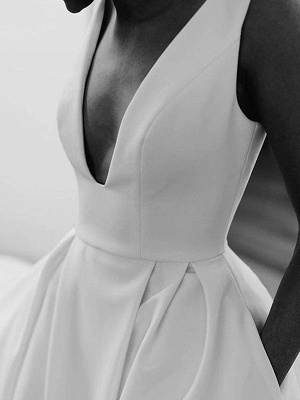 Vintage Wedding Dresses V Neck Sleeveless Natural Waist Satin Fabric Pleated Bridal Gowns With Train_4