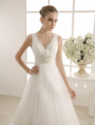 Brautkleid mit Kapelle-Schleppe und V-Ausschnitt mit Perlenverzierung_5
