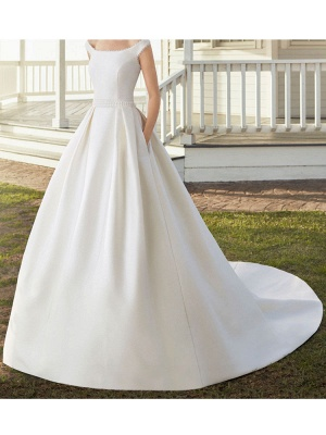 Vintage Wedding Dresses With Train Designed Neckline Sleeveless Buttons Satin Fabric Bridal Gowns_3