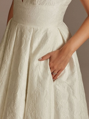 White Simple Wedding Dress Lace V-Neck Sleeveless A-Line Court Train Backless Bridal Gowns_4