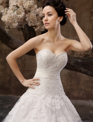 Floor-Length White Bridal Ball Gown Wedding Gown With Sweetheart Neck Applique_5