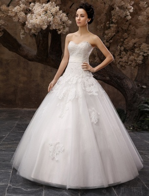 Floor-Length White Bridal Ball Gown Wedding Gown With Sweetheart Neck Applique_2
