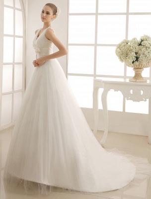 Brautkleid mit Kapelle-Schleppe und V-Ausschnitt mit Perlenverzierung_3