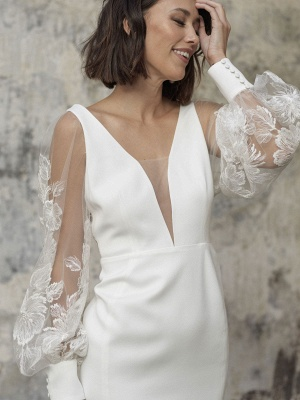 White Short Wedding Dresses V-Neck Long Sleeves Backless Sheath Cut-Outs Lace Bridal Dresses_3