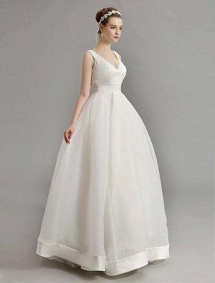 Vintage-inspiriertes Brautkleid mit tiefem V-Ausschnitt und Schleife, verziert mit Cut Out Back_5